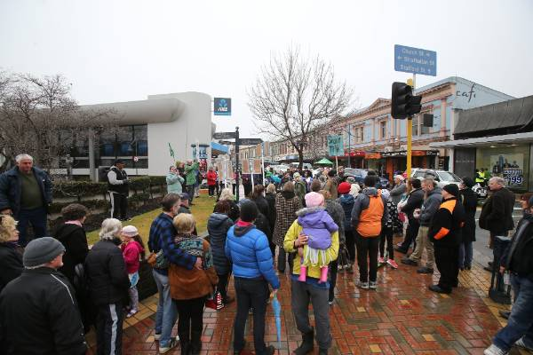 Rain failed to deter protesters in Timaru marching against  Trans-Pacific Partnership Agreement (TPP).