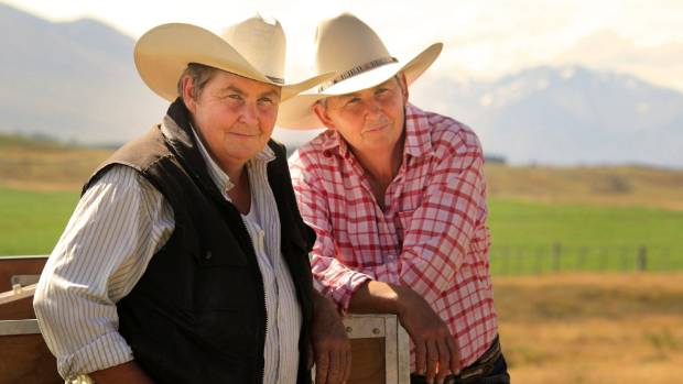 Jules and Lynda Topp return for a second season of Topp Country on August 23.