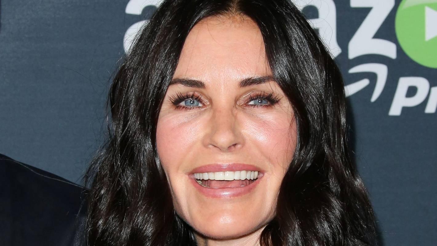 Courteney Cox Regrets Plastic Surgery I Was Trying So