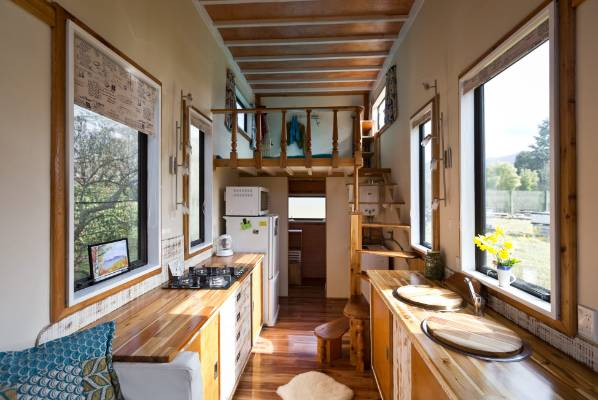 Tiny houses 39 wow 39 and inspire alternative living for Small home designs nz