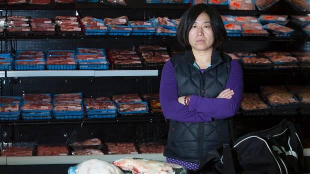 Asian Mother Daughter Shoplifting