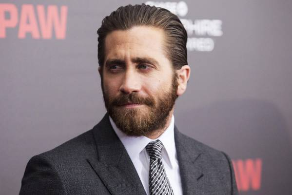 Jake Gyllenhaal has nailed the lumbersexual style.