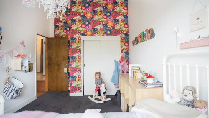 From toddler to teen how to decorate your kids 39 rooms - Stuff to decorate your room ...