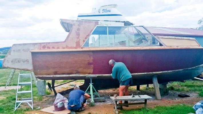 A class in glass: DIY boat repairs | Stuff co nz