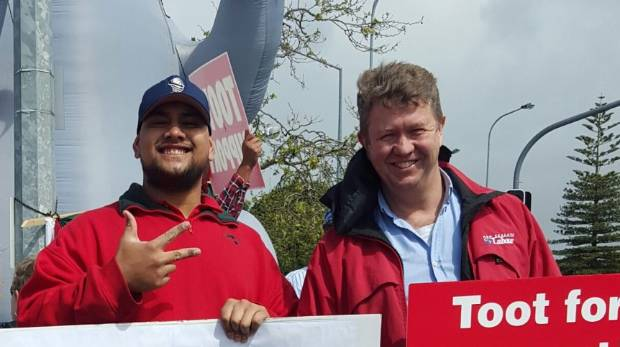 Labour MP David Cunliffe joins a protester at Bunnings New Lynn.