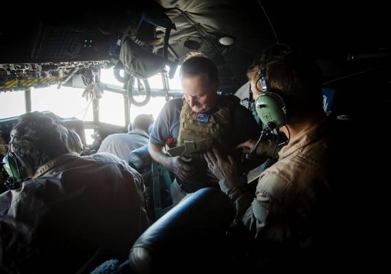 John Key on the NZ Hercules flying from Dubai to Baghdad.