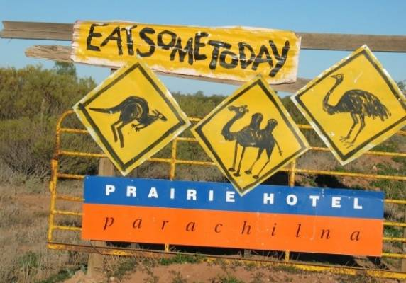 16 Road Signs You Ll Only See In Australia Stuff Co Nz
