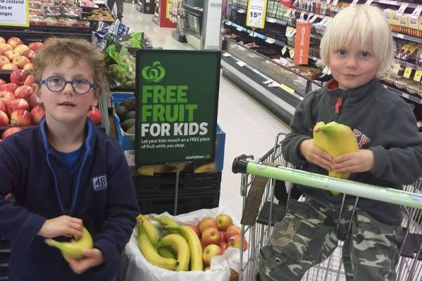 Candice Haig also shared a photo of her children enjoying the fruit.