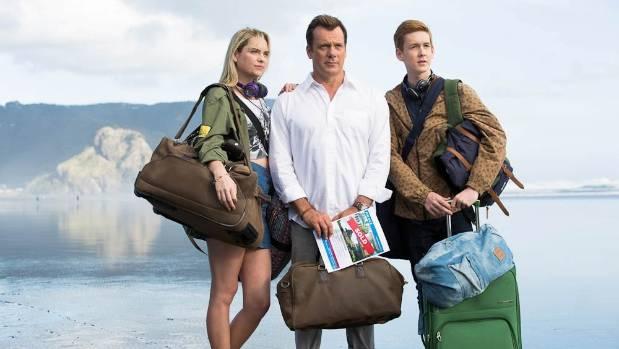 Melina Vidler, Erik Thomson and Benson Jack Anthony play the Turner family in 800 Words.