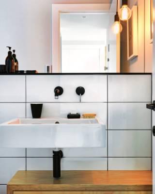 New Zealand's best bathrooms... including a teeny tiny loo ...
