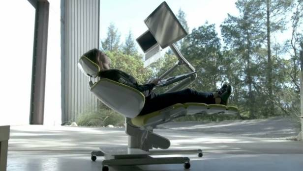 The Altdesk that allows you to lay down while working.