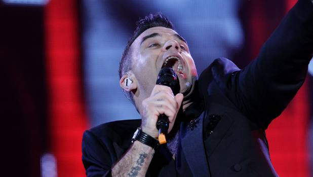 Robbie Williams dedicated a poem recital to music critic Simon Sweetman.