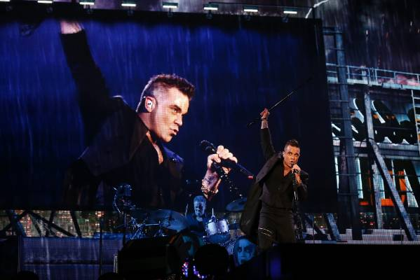 Robbie Williams reflected on the big screen at the Basin Reserve.