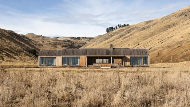 Scrubby bay house makes global architectural award for Landscape architecture new zealand