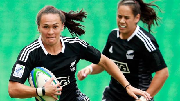 Portia playing for New Zealand against Spain in the IRB Women's Sevens World Series match.