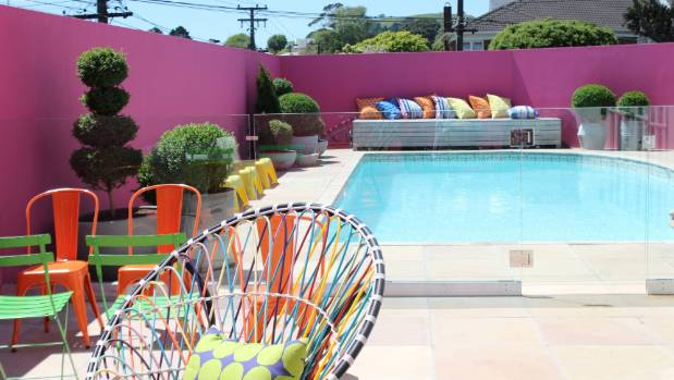 Xanthe white shows off her colourful designfest garden for Pool design auckland