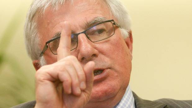 NZ could miss its 2030 emissions target if international carbon credits dry up, Climate Change Minister Tim Groser cautions.