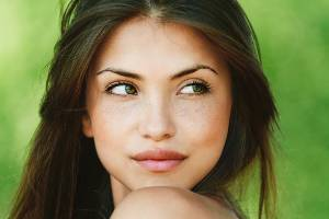 Want to enjoy spring without the puffy eyes? Follow these tips.