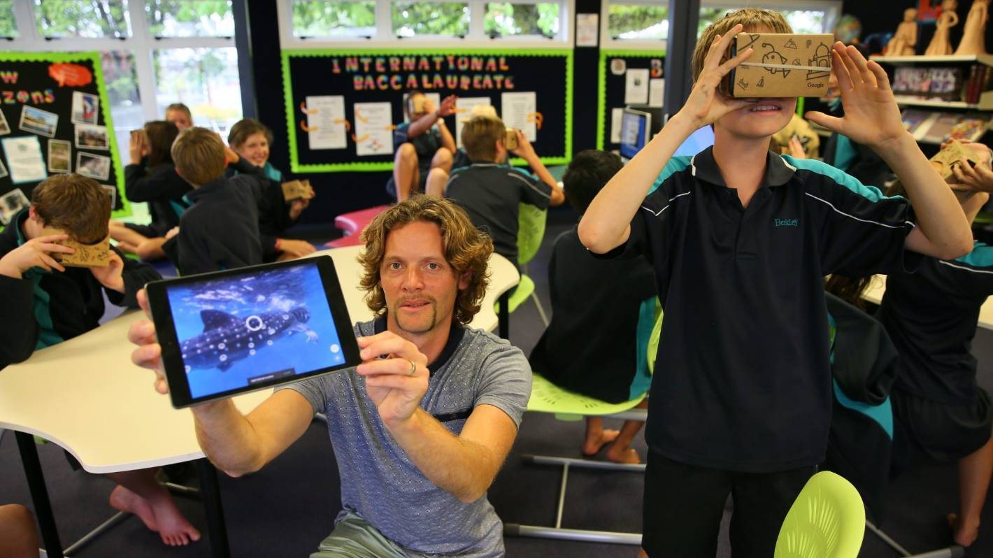 Google Cardboard Takes Kids On A Virtual Field Trip Stuffconz