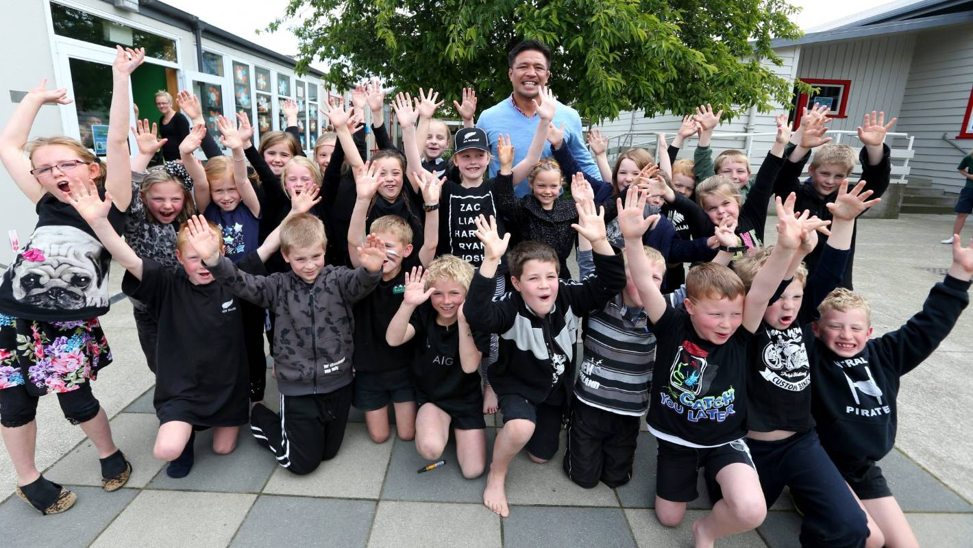 All Blacks Legend Keven Mealamu Visits Makarewa School In