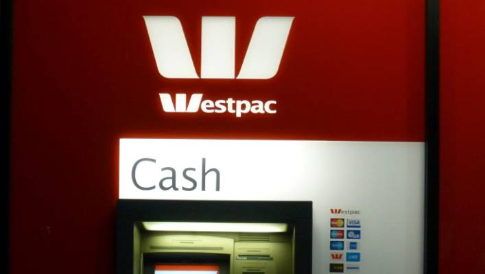 Westpac apologises for overcharging, agrees to repay $4