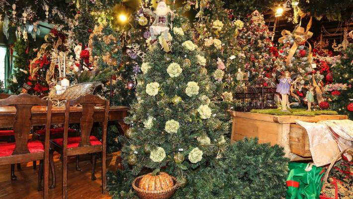 pastel decorations create a sophisticated look at the christmas heirloom company in ellerslie
