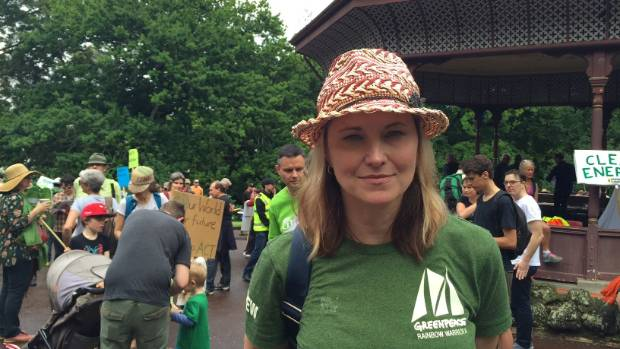 Actress Lucy Lawless attends the event to highlight the Government's failure to act on the environmental issue.