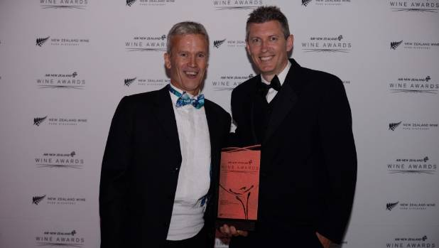 Lake Chalice owner Phil Binnie, left, with Paul Vine of O-I New Zealand.