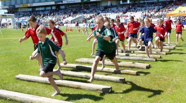 Invercargill Mitre 10 Tough Kid attracts 1200 | Stuff co nz