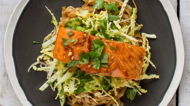 Nadia Lim S Vietnamese Salmon Salad Stuff Co Nz