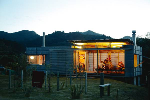House Of The Week Off The Grid Bach On Great Barrier Island Stuff