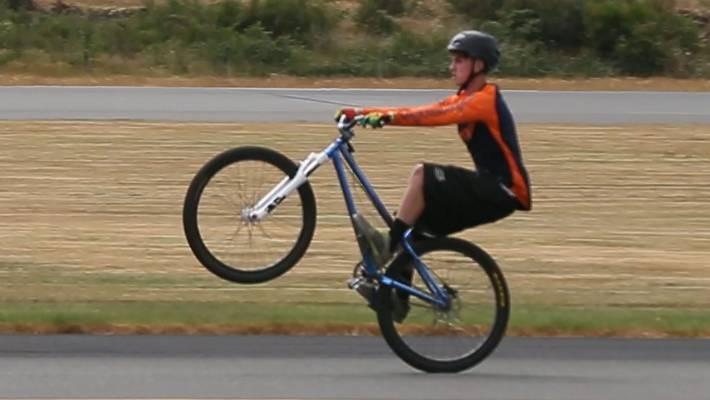 Harry Denton Breaks World Record For Longest Wheelie Stuff Co Nz