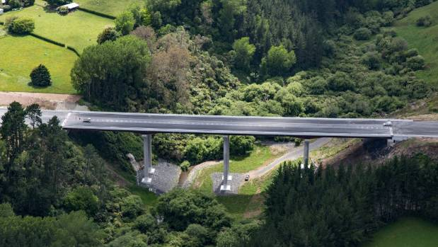 The sleek Karapiro Viaduct is one of eight new bridges making up part of the Cambridge section of the Waikato Expressway.