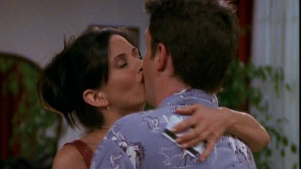 Are Friends stars Courteney Cox and Matthew Perry dating ...