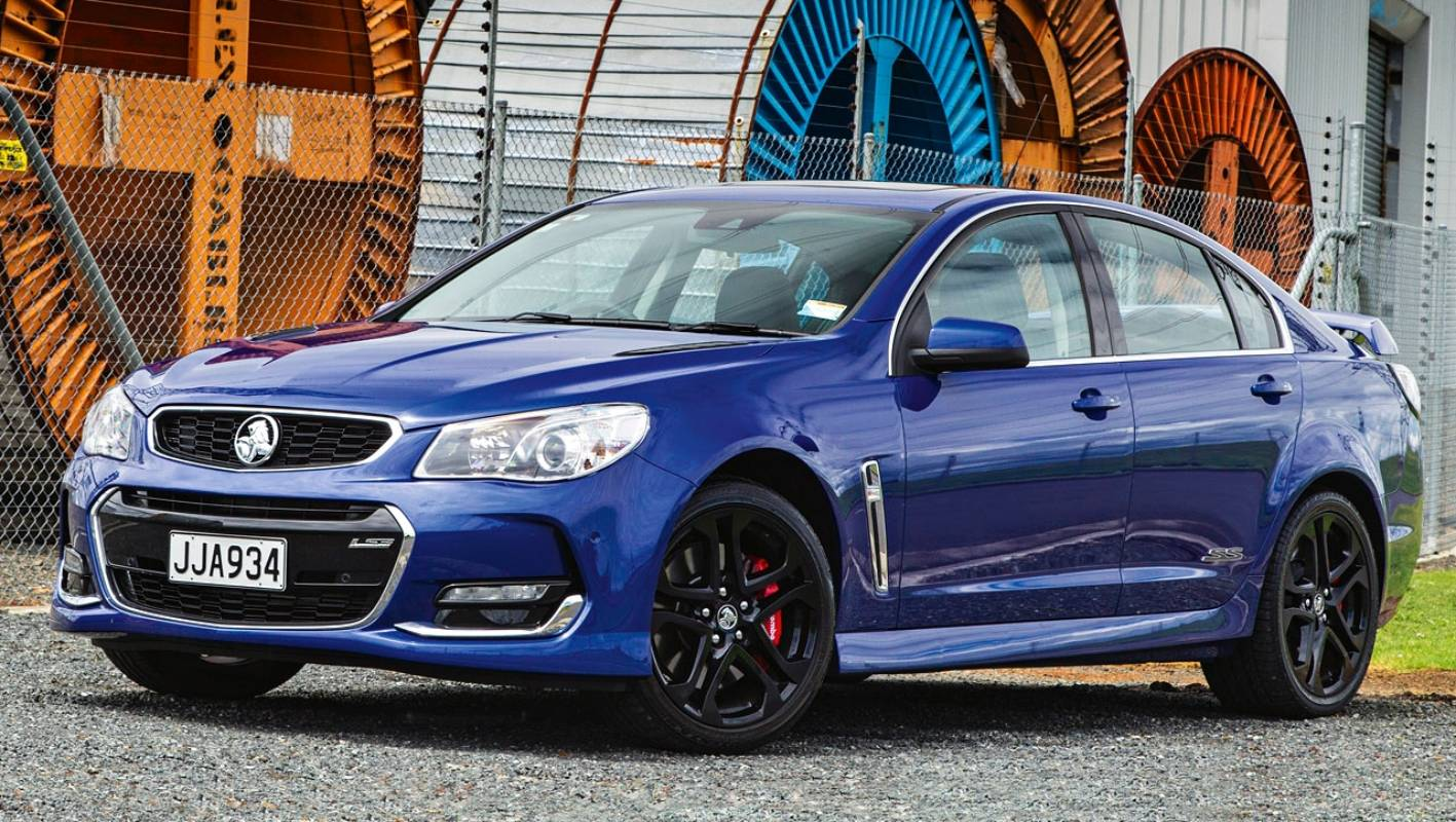 Feel the noise of the Holden Commodore VF II SS Redline | Stuff co nz