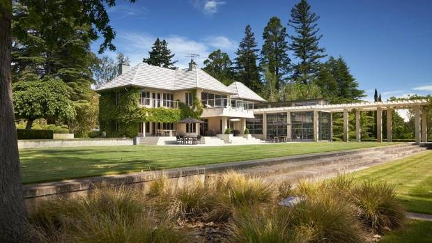 Seven luxury homes currently for sale in new zealand for Luxury homes for sale new zealand