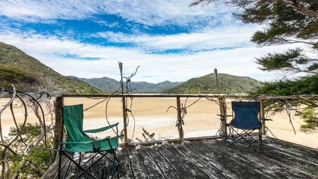A Christchurch man has started a crowd-funding campaign to buy a private beach and gift it to New Zealand.