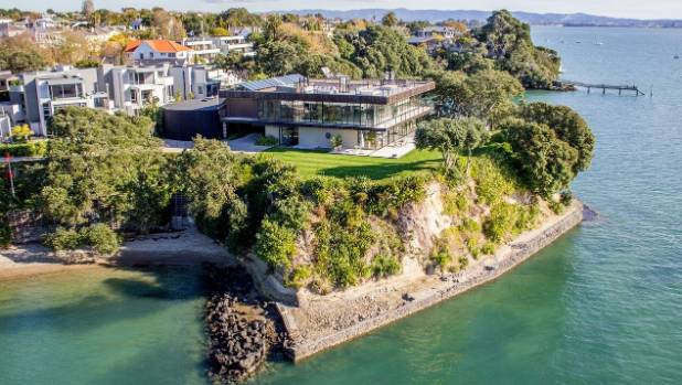 This house in Sentinel Rd, Herne Bay Auckland sold for $24 million, making it the most expensive New Zealand home sold ...
