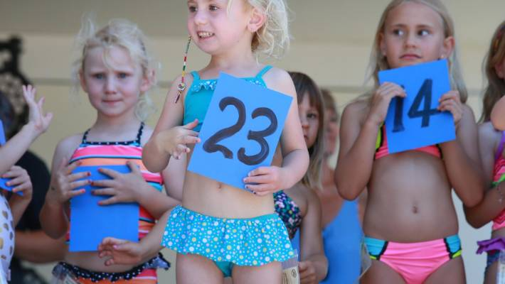 Beach beauty pageants divide opinions as 4-year-olds parade on stage