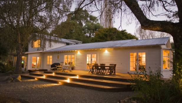 The five star Owen River Lodge provides luxury fly fishing accommodation near Murchison in the South Island.