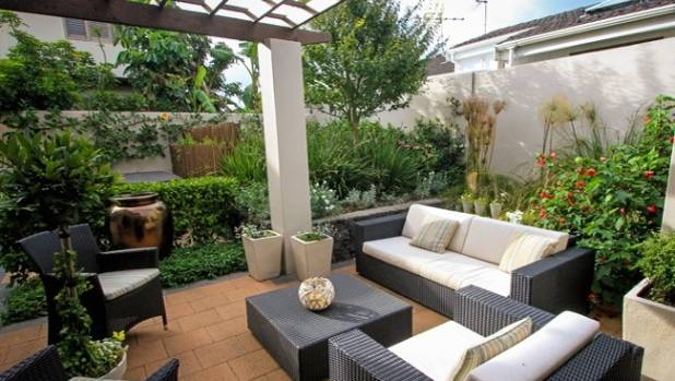 Dos and don 39 ts for a great courtyard garden for Small garden designs nz