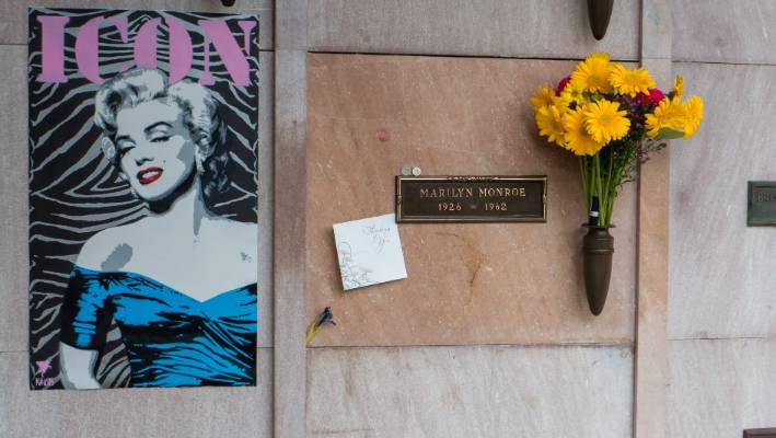Los Angeles' celebrity cemetery: Where the stars are buried | Stuff