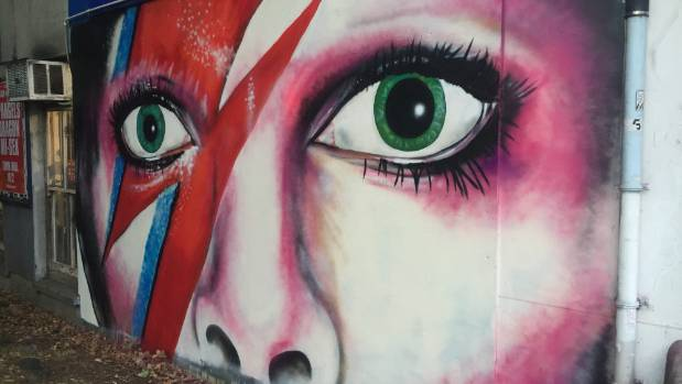 A mural of David Bowie has appeared on the wall of the Rock Shop on K Road.
