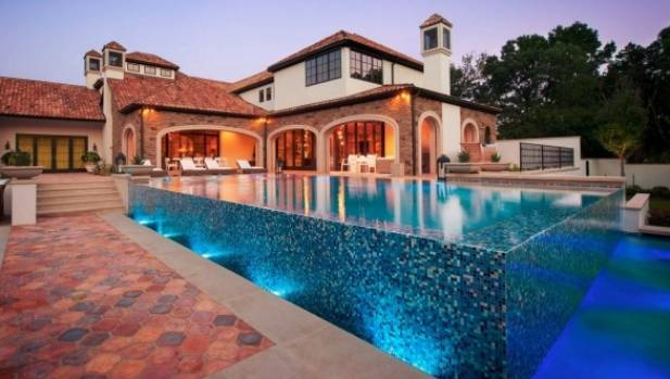 The Infinity Edged Pool At New Spieth Residence