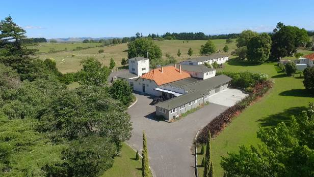 Invivo Wines has secured a 10-year lease with new owners BAA Holdings for the 114-year-old Te Kauwhata winery in Waikato.