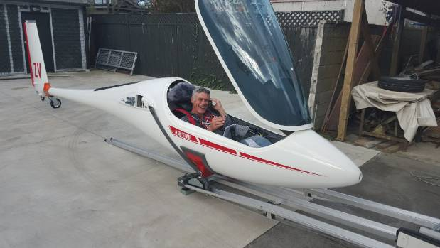 Murray John Philpott, 55, who is a celebrated Kiwi sailor, died in a glider crash near Twizel on Sunday.