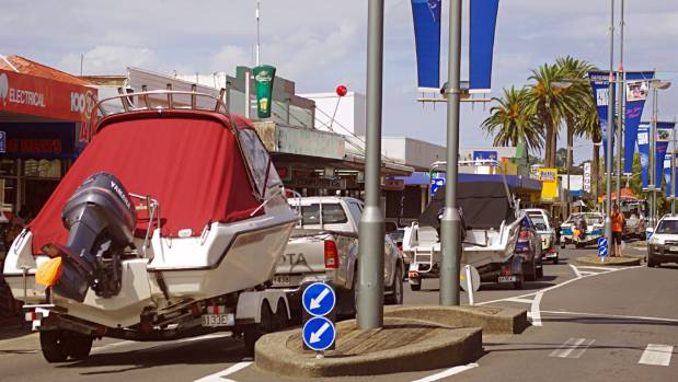 It was bumper to bumper boats down Dargaville's  main street as boaties protested against a proposed powercraft ban on ...