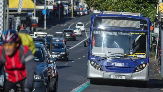 Wet weather is expected to further disrupt commuter traffic, as buses strike in Auckland on Friday.
