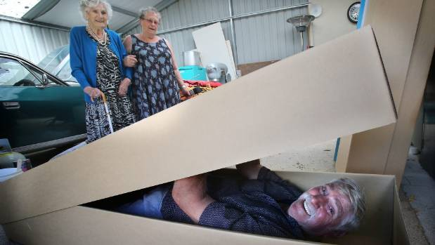Final farewells the diy way stuff laurence tests out his coffin solutioingenieria Choice Image