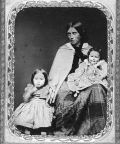 Jane Maria Gray, daughter of Alexander Gray and Kotero Hinerangi, with her children, 1857.